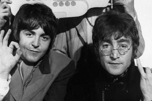 Paul McCartney가 그의 두개골을 뚫자고 한 John Lennon을 회상했다
