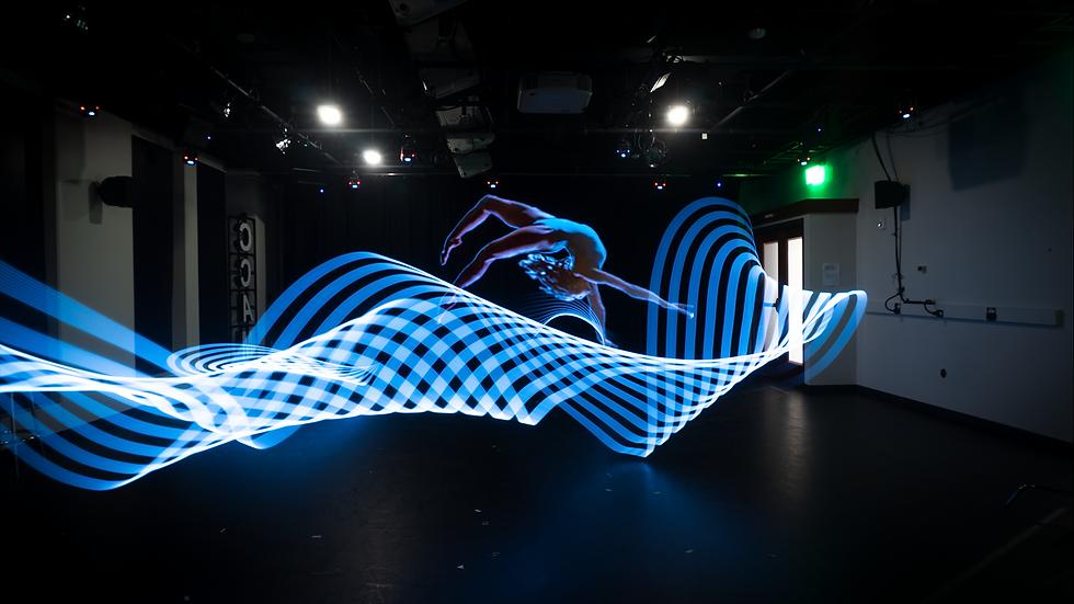 LeedsStudio-Dancers-WomanBackwards.png