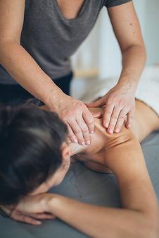 massage-session-3865799.jpg