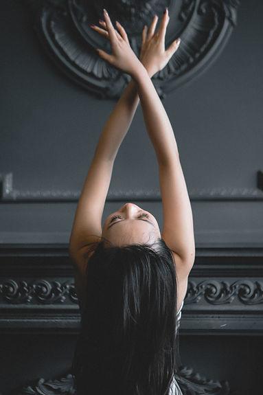woman-bending-her-body-3587320.jpg