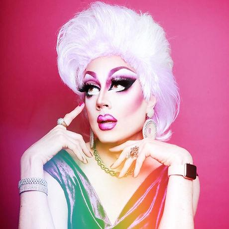 Mauve de Mirabelle Drag Queen