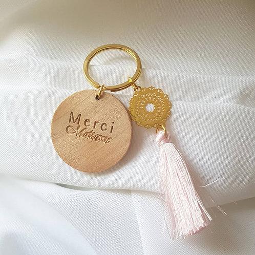 Porte clef bois et pompon