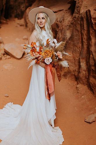 snow canyon utah national park photographer elopement wedding travel photography bouquet wedding inspiration pinterest boho chiq