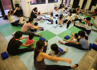 Parent-Kid Yoga session @ Sat, 25th July, 10-10:45am: CANCELLED @ GOVT GUIDELINES