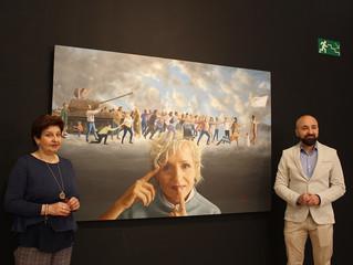 Alexandre Montoya invita al pacifismo con la obra 'Y me llamas paz'