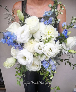 ~White & Blue for today's bouquet~Enjoy