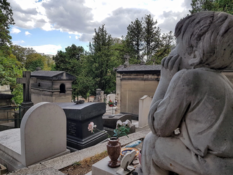 Tombside Talks at Père Lachaise