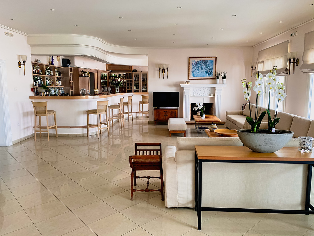 The lobby and bar at Hotel Mykonos Adonis.