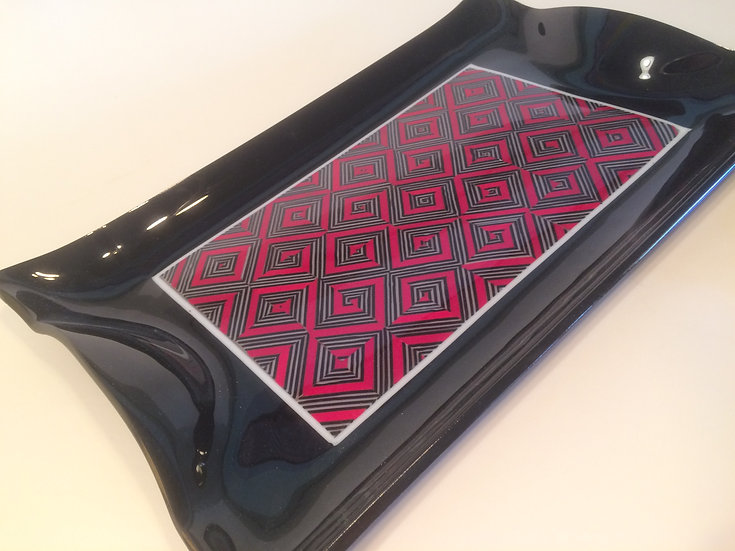 Geometric Black and red tray set