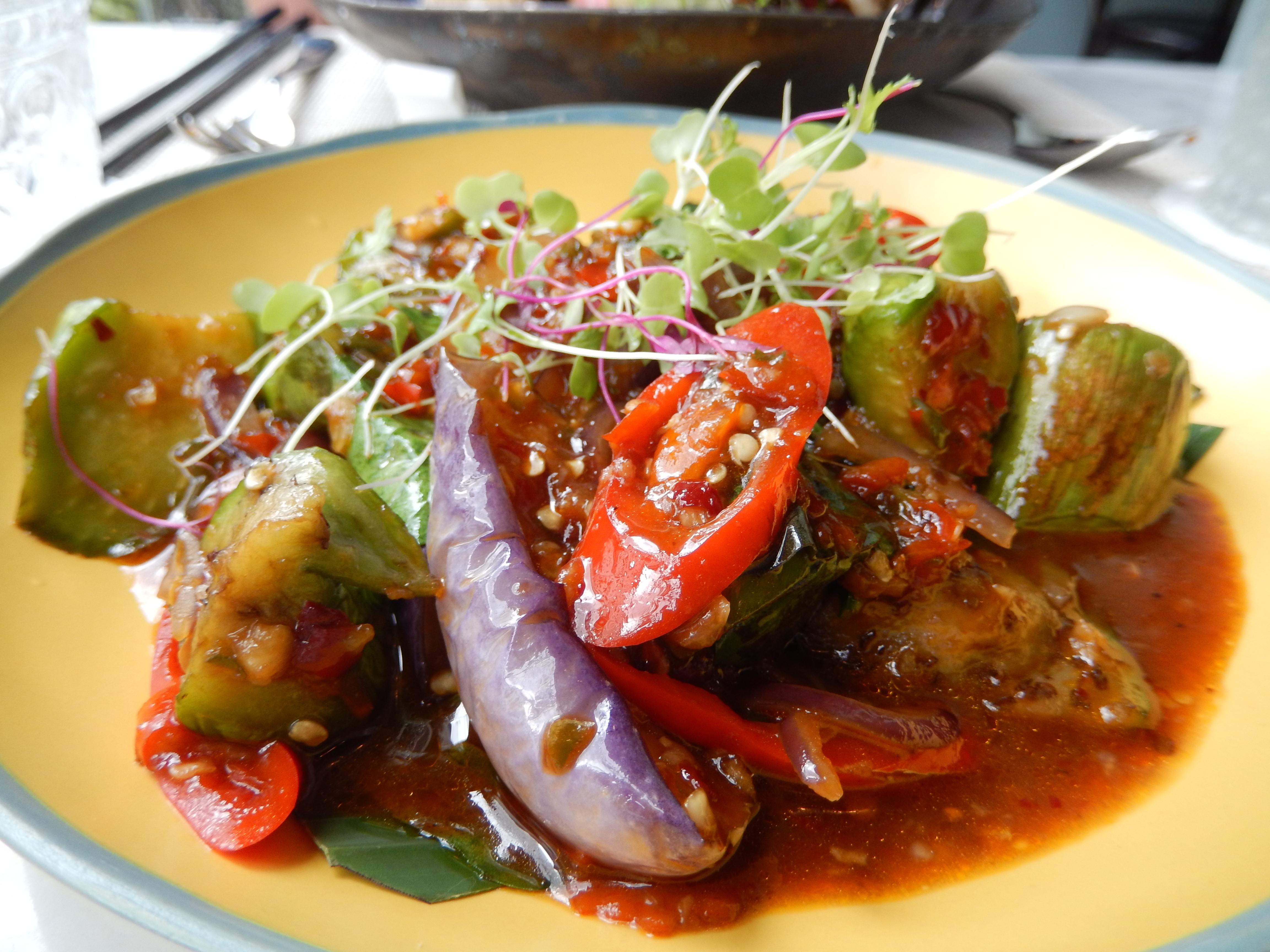 Fondue de légumes sauce pimentée