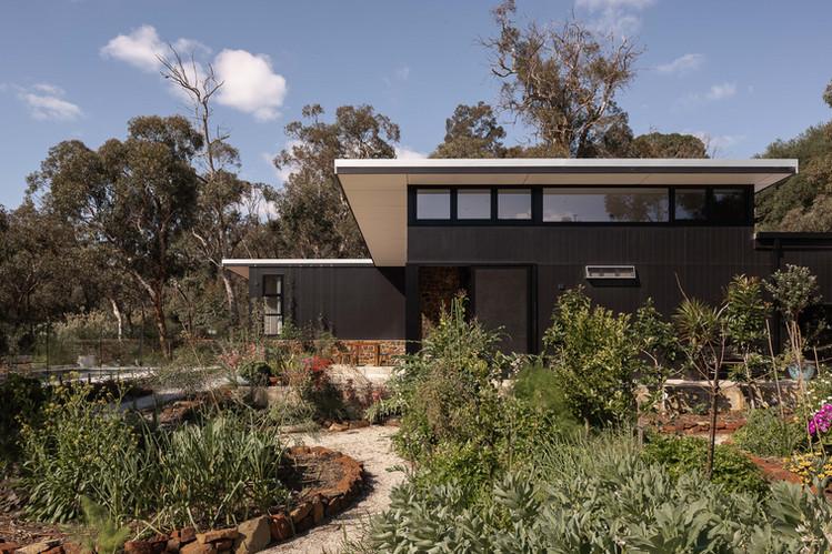 Nyaania Creek Darlington Residence