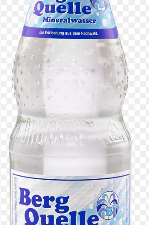 Mineralwasser Berg Quelle 0,7L