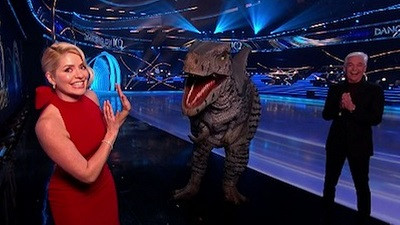 DINOSAURS TAKE OVER DANCING ON ICE