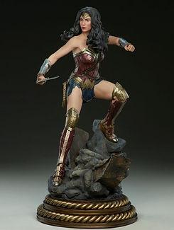 collectible-wonder-woman-50cm.jpg