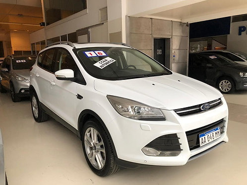 FORD KUGA 2.0 ECOBOST AT TITANIUM