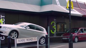 McDonald's faz carro voar em Londres