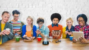 73% dos brasileiros jogam no smartphone, mostra estudo do Facebook