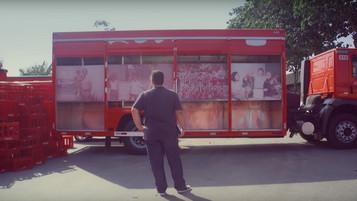 Coca surpreende funcionário em ação para as Olimpíadas
