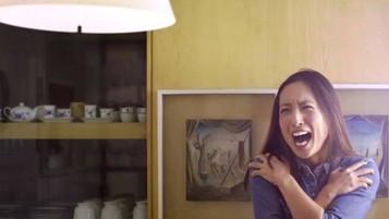 Motorola promove celular de tela inquebrável