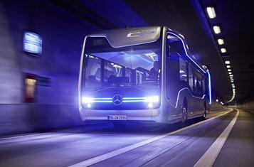 Mercedes-Benz lança primeiro ônibus sem motorista na Holanda