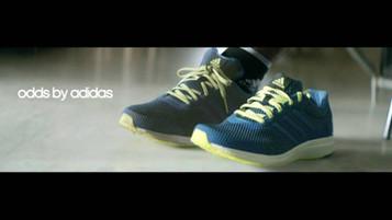 Adidas vende pares de tênis do mesmo pé