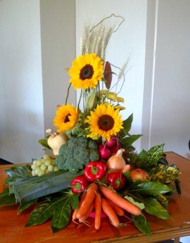 flowerlove Event Floral Arrangement.jpg