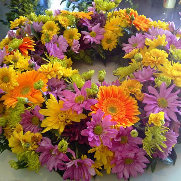 flower-love-multicoloured-wreath.jpg