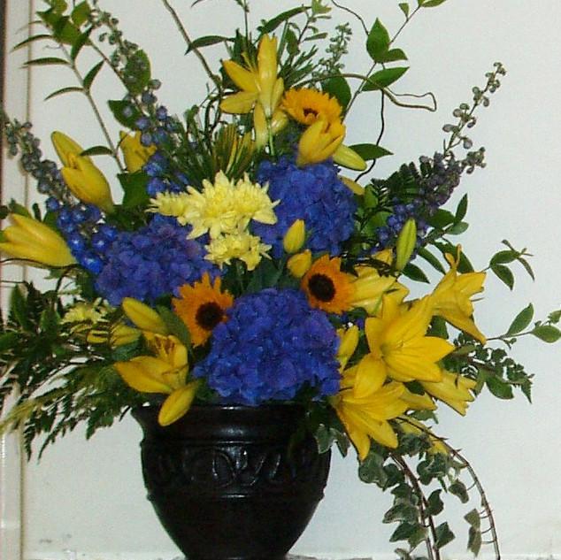flower-love-fireplace-arrangement-melros
