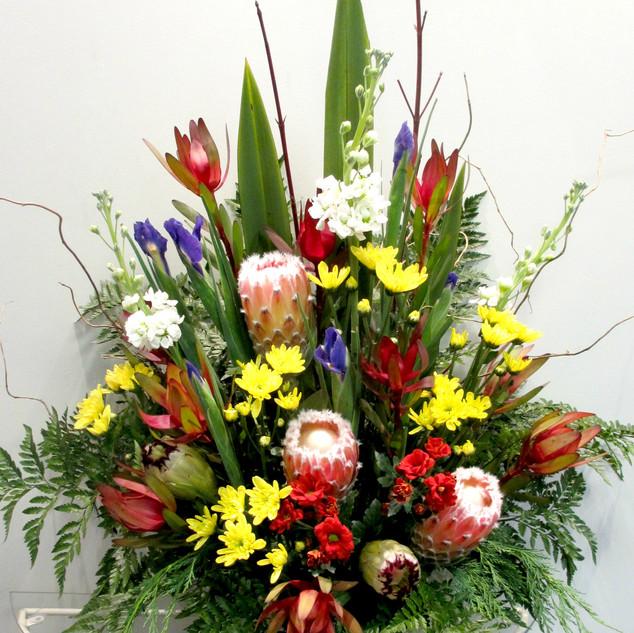 flower-love-pedestal-arrangement.jpg