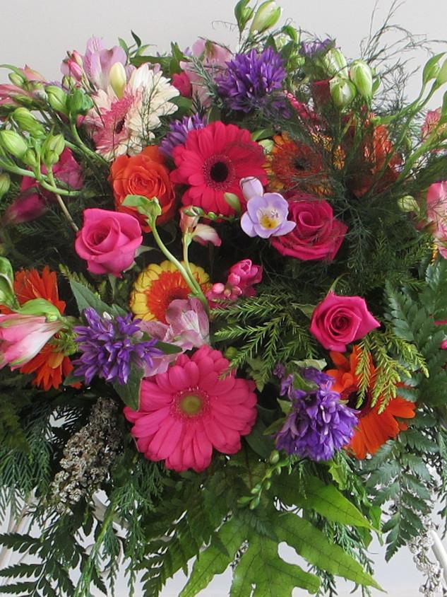 flowerlove-memorial-arrangement-pinks.jp