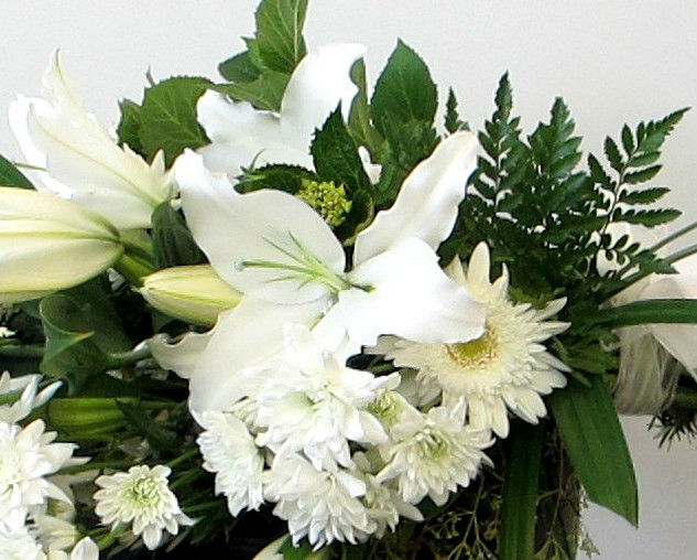 funeral-sheath-white-by-flowerlove.jpg