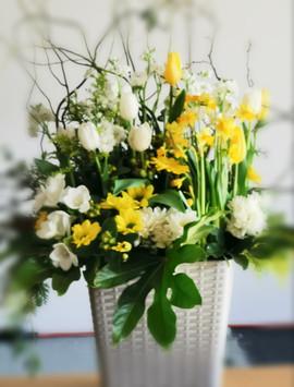 funeral-flower-arrangement-by-flowerlove