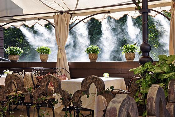Охлаждение туманом  на веранде