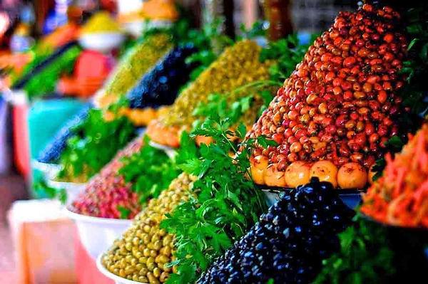 Fresh olives and preserves