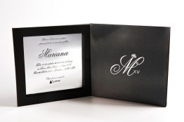 Convite-caixa-com-brilho-especial.jpg