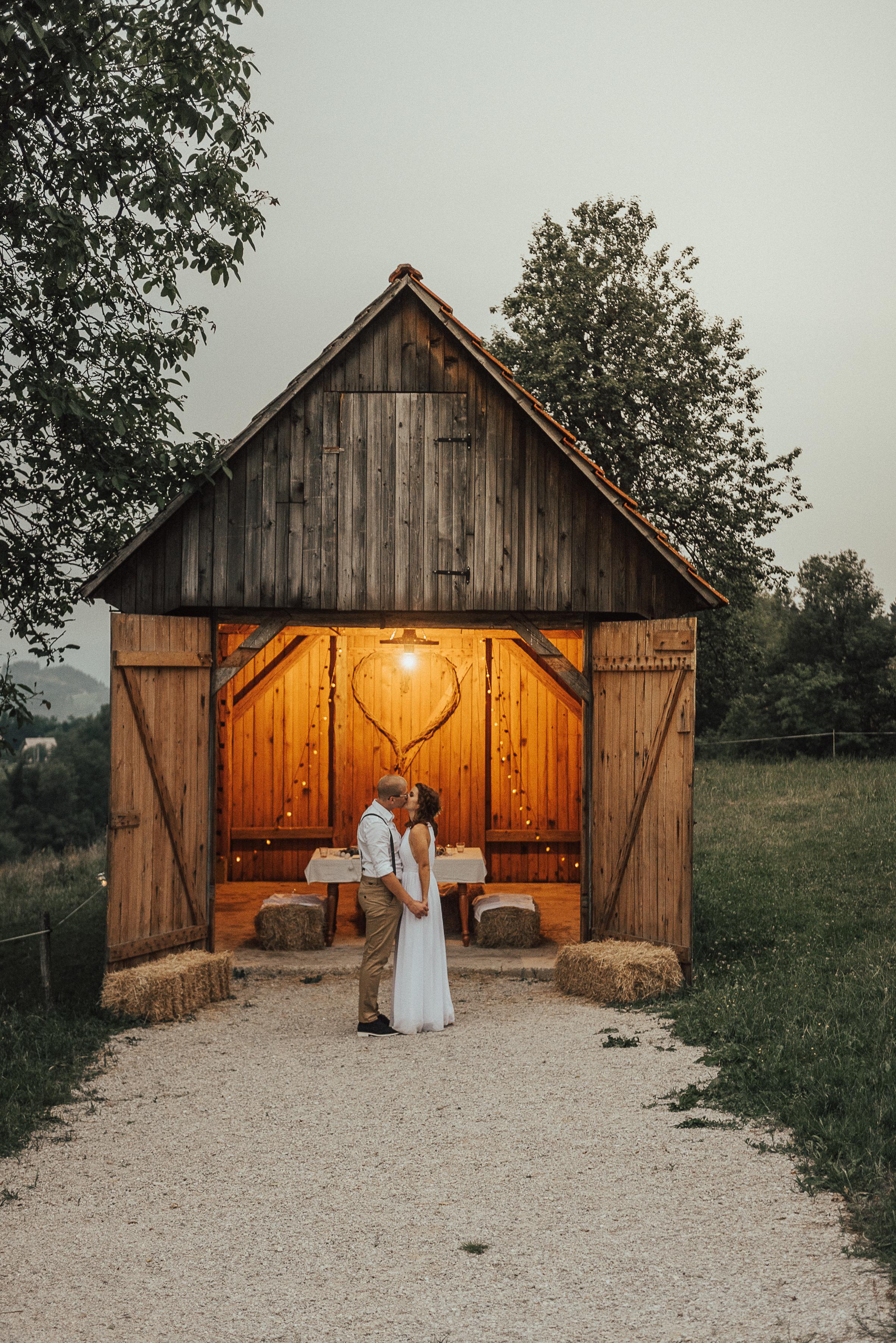 Kmetija Na Lanišah, poroka v svislih