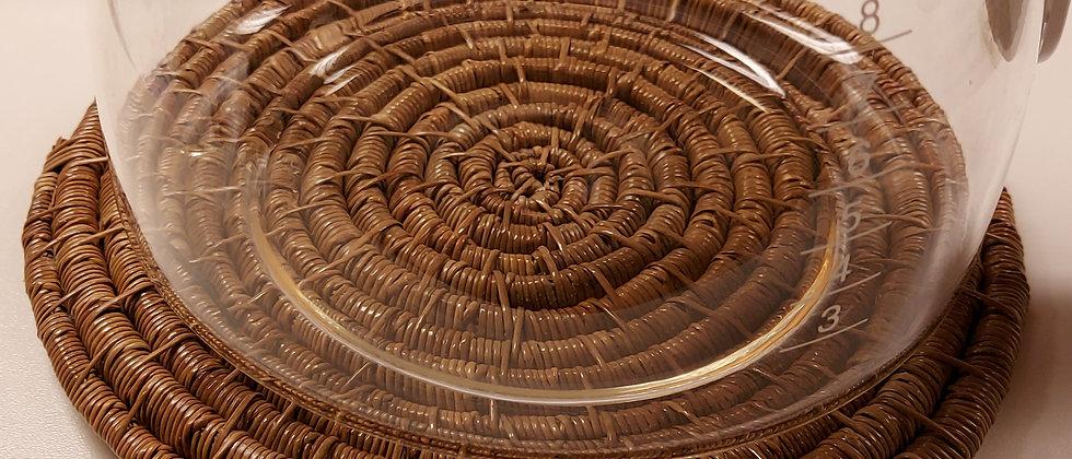 Gryteunderlag av furunåler fra Ranikhet