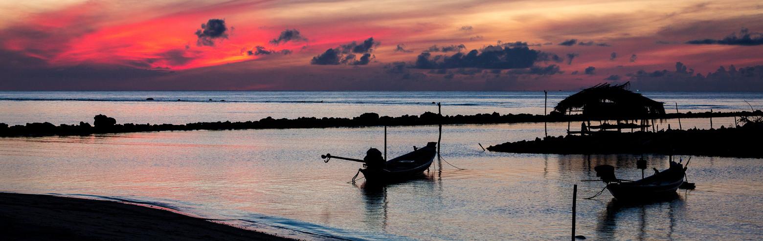 beach-sundusk-boats-Samahita.jpg
