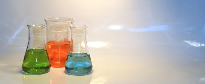 chemie-6005166_1920 (1).jpg