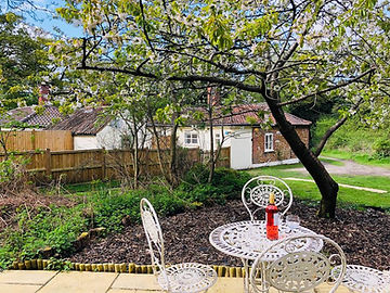 Gamekeepers Cottage Holiday Rental Bawsey Kings Lynn Norfolk
