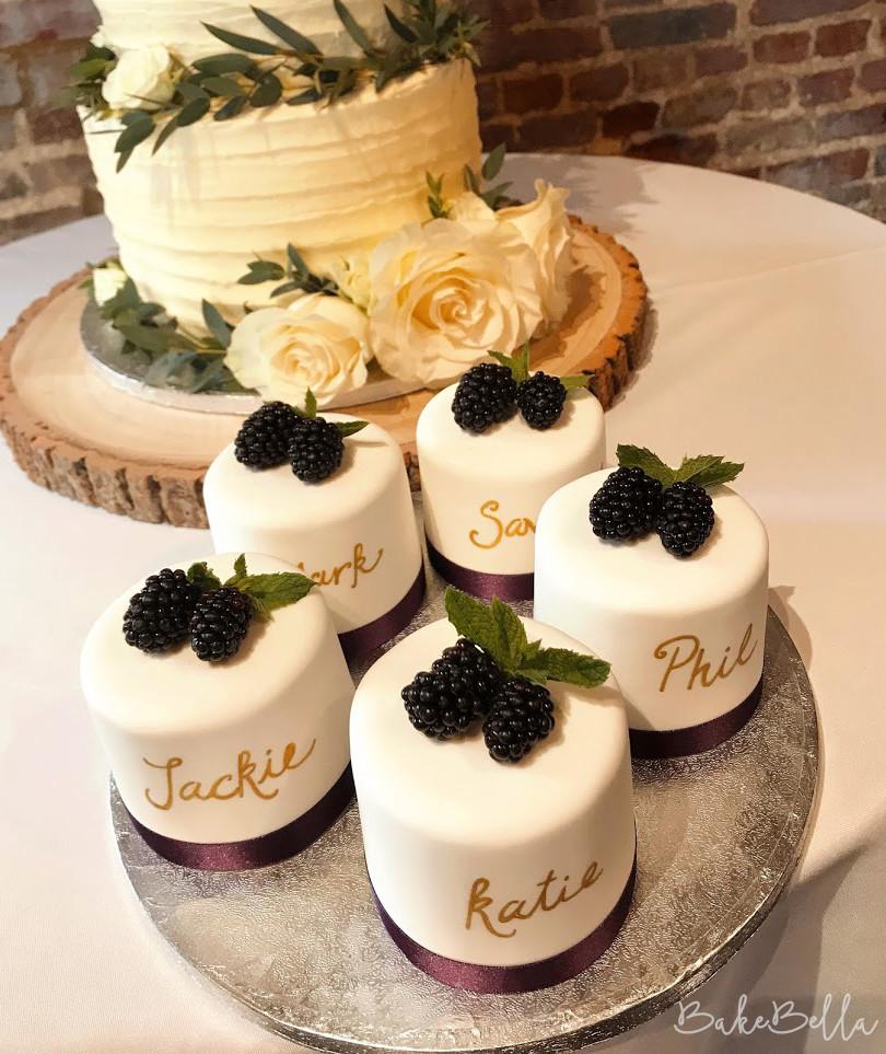 Mini Iced Cakes