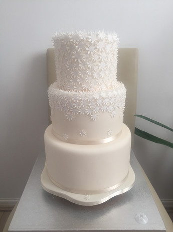 Dasiy Wedding Cake