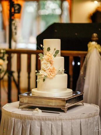 3 Tier Vintage Ivory & Apricot Floral
