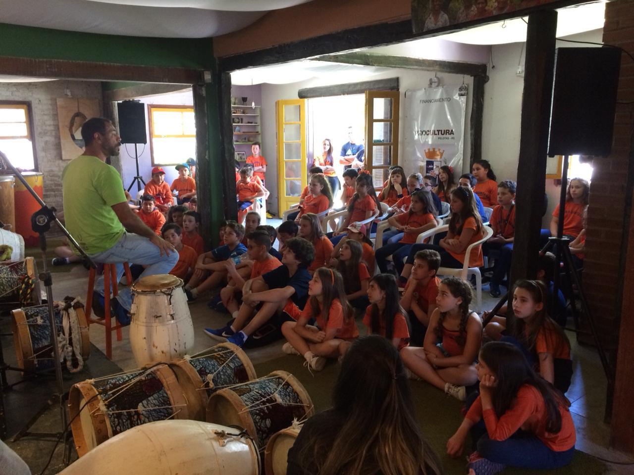 28a_O_ficina_com_a_Escola_Mário_Quintan