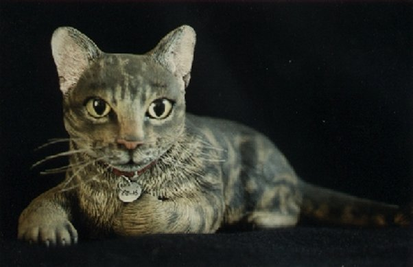 'Paws' tabby cat sculpture