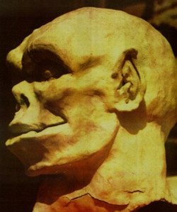 early snuurg mask-sculpt