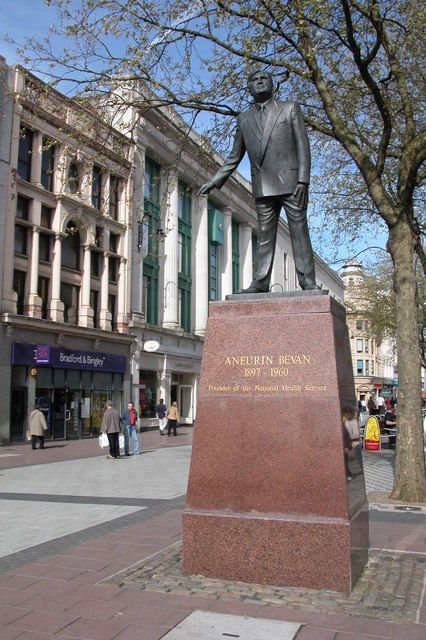 Statue_of_Aneurin_Bevan,_Cardiff_-_geogr