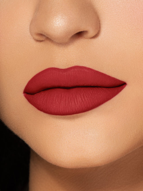 Kylie Labial Liquido + Delineador - Mate Rojos - Morados