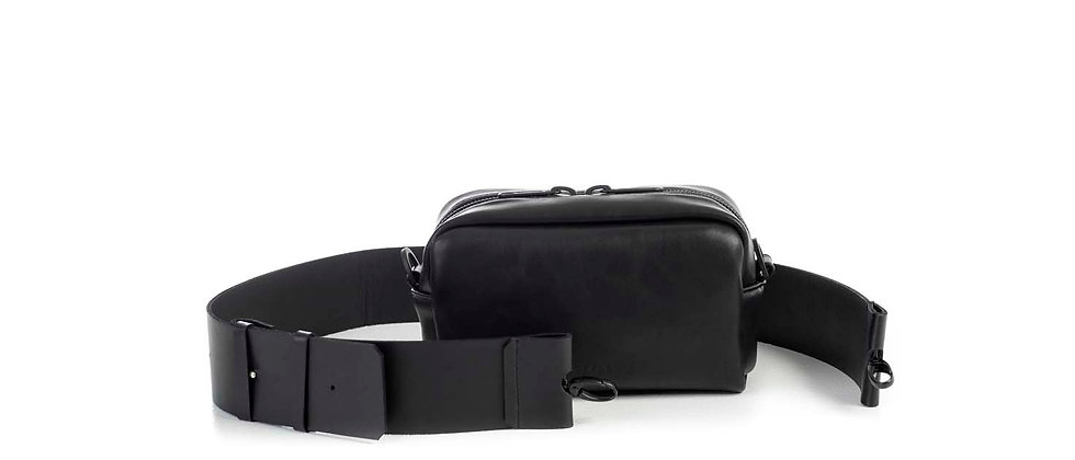 Leather camera bag, small / Flat strap