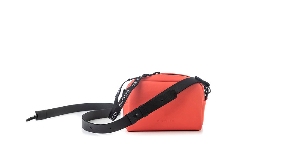 Leather camera bag, small / Flat strap 2.5
